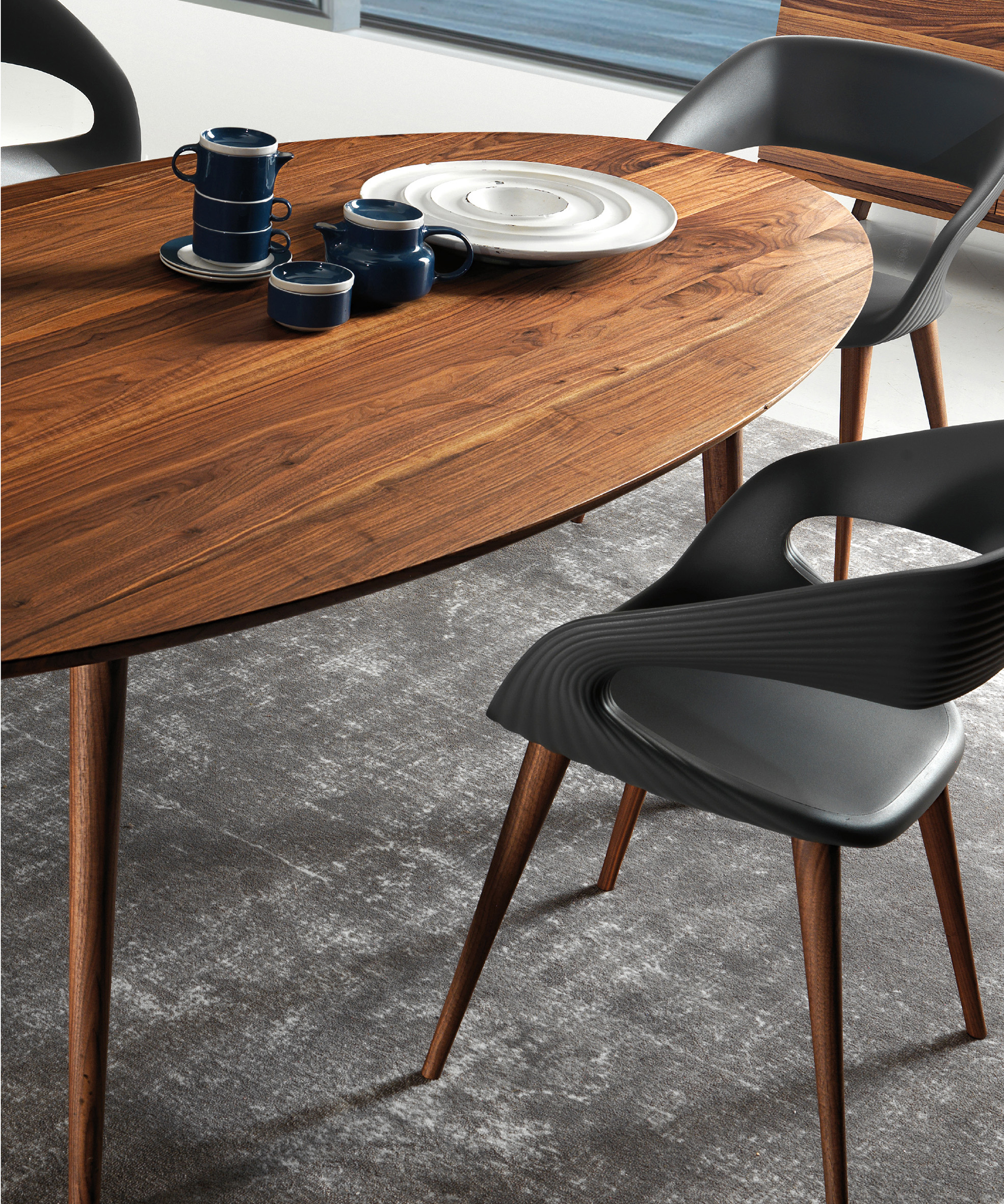 Eagle Dining Table – Bellini Modern Living